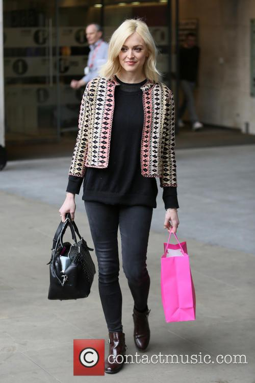 Fearne leaves Radio one 19.03.14