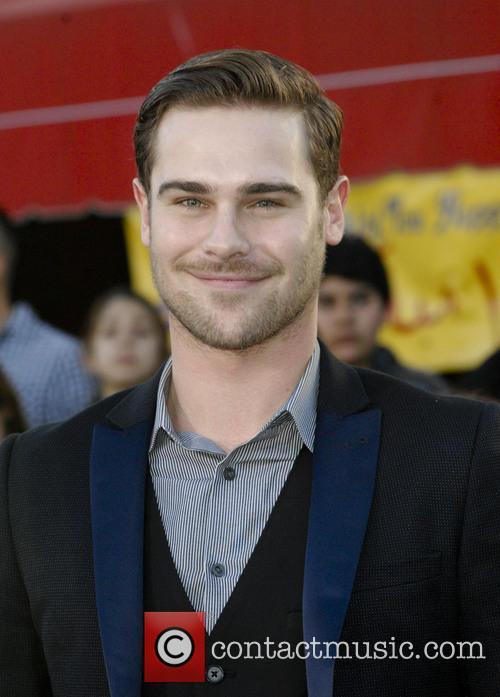 Grey Damon 4