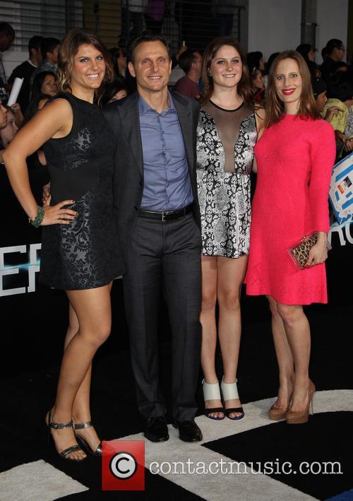 Tony Goldwyn, Liz Goldwyn and Daughters 4