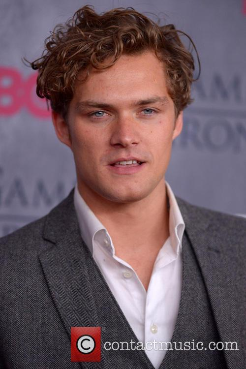 finn jones new york premiere of game 4116457