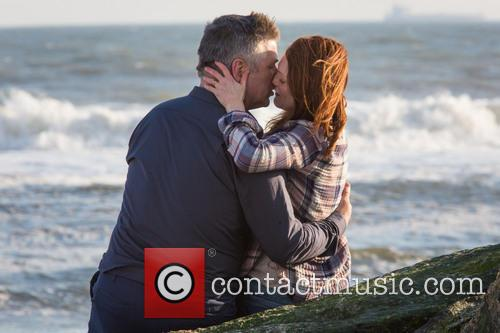 Alec Baldwin and Julianne Moore 3