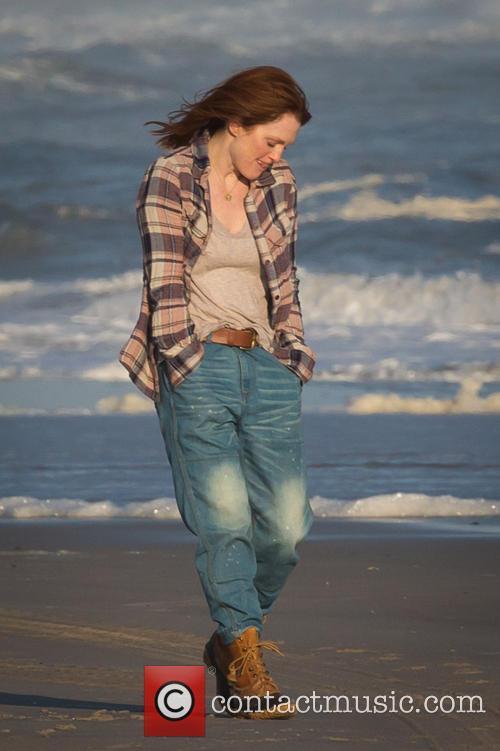 Julianne Moore, Long Island