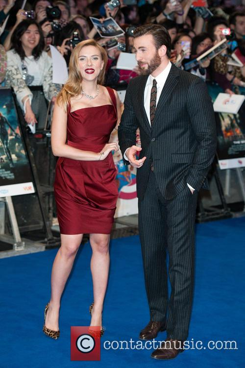Scarlett Johansson and Chris Evans 4