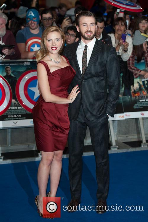 Scarlett Johansson and Chris Evans 5