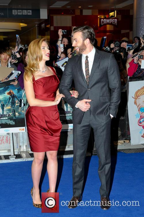 Scarlett Johansson and Chris Evans 9