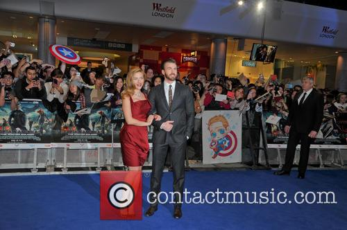 Scarlett Johansson and Chris Evans 10