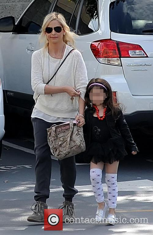 Sarah Michelle Gellar and Charlotte Prinze 6