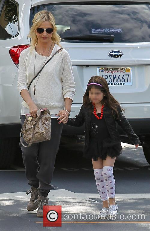Sarah Michelle Gellar and Charlotte Prinze 1