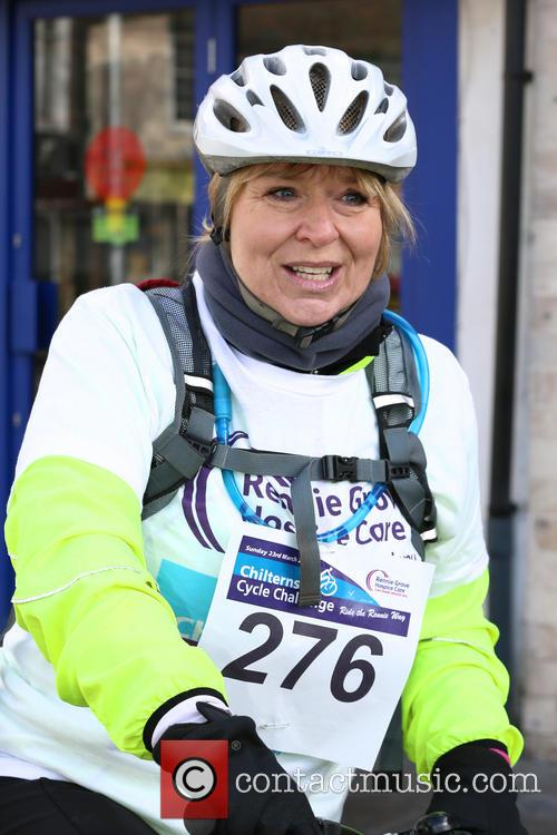 fern britton undertakes the chilterns cycle 4121971