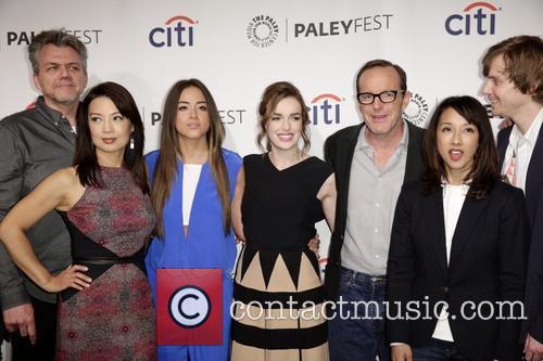 Jeffrey Bell, Ming-na Wen, Chloe Bennet, Elizabeth Henstridge, Clark Gregg, Maurissa Tancharoen and Jed Whedon 1
