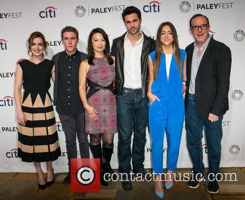 Elizabeth Henstridge, Iain De Caestecker, Ming-Na Wen, Brett Dalton, Chloe Bennet and Clark Gregg 1