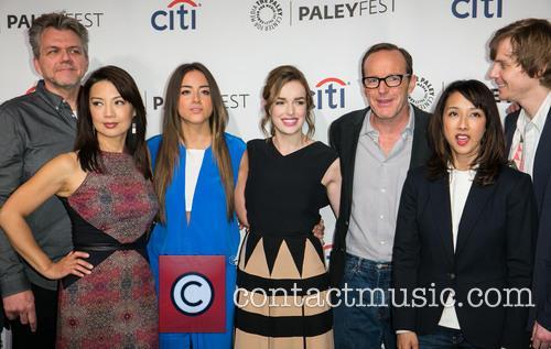 Jeffrey Bell, Ming-na Wen, Chloe Bennet, Elizabeth Henstridge, Clark Gregg, Maurissa Tancharoen and Jed Whedon 5