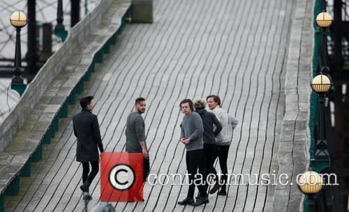 Niall Horan, Zayn Malik, Liam Payne, Harry Styles and Louis Tomlinson 13
