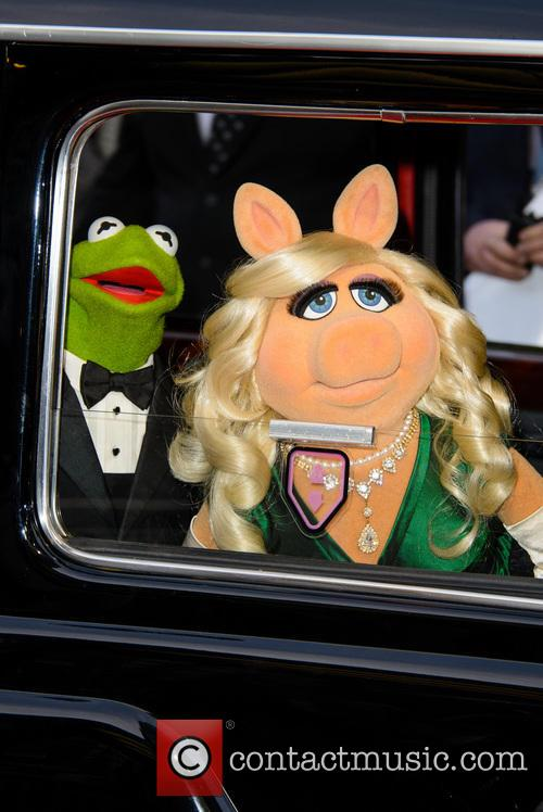 Constantine, Kermit The Frog and Miss Piggy 3
