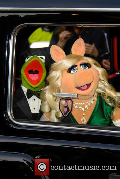 Constantine, Kermit The Frog and Miss Piggy 4