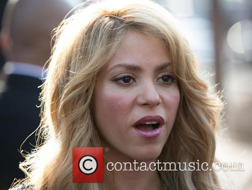 Shakira 40