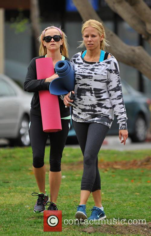 Reese Witherspoon leaving the gym