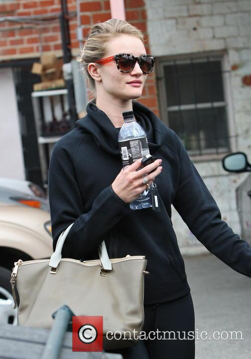 Rosie Huntington-Whiteley Leaving Her Gym