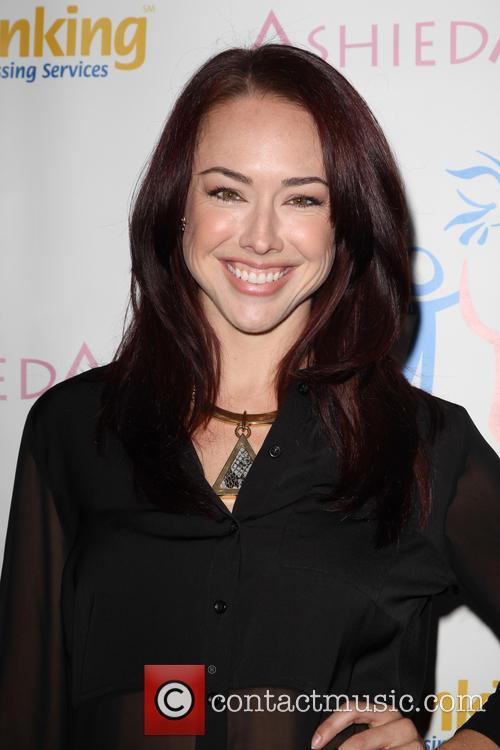 Lindsey Mckeon 6