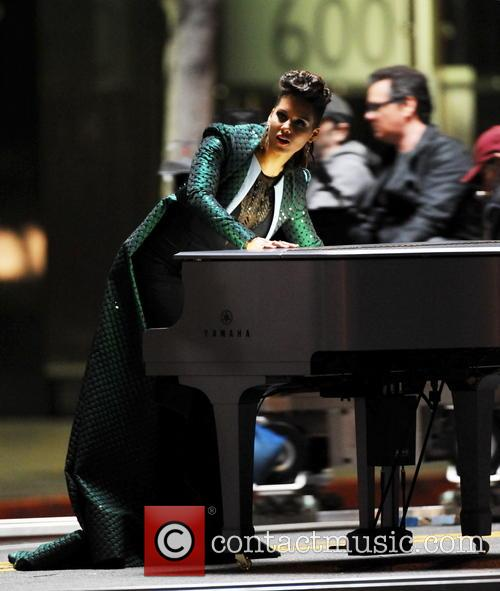 "Alicia Keys filming ""It's On Again"" music video"