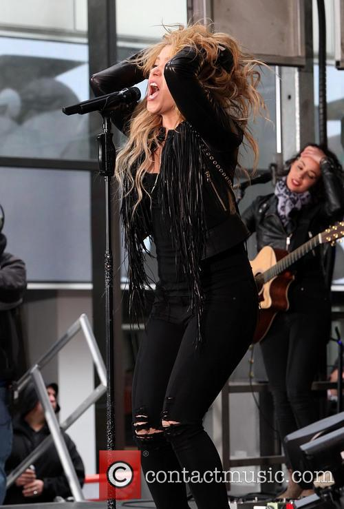 Shakira 22
