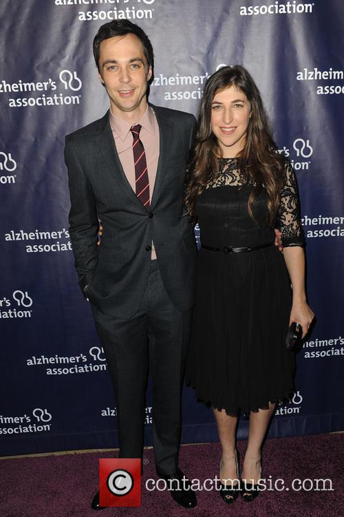 Jim Parsons and Mayim Bialik 5