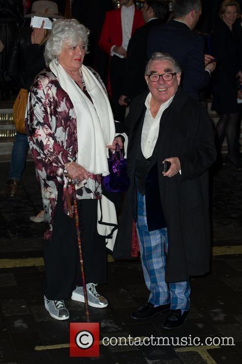 ronnie corbett i cant sing opening night 4126786