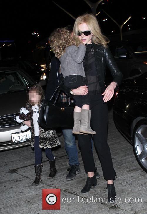 Nicole Kidman, Sunday Rose Kidman Urban and Faith Margaret Kidman Urban 8