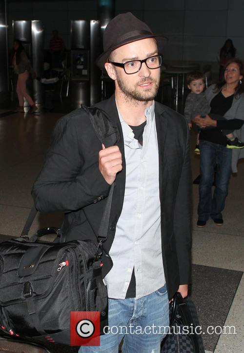 Justin Timberlake, Los Angeles International Airport (LAX)