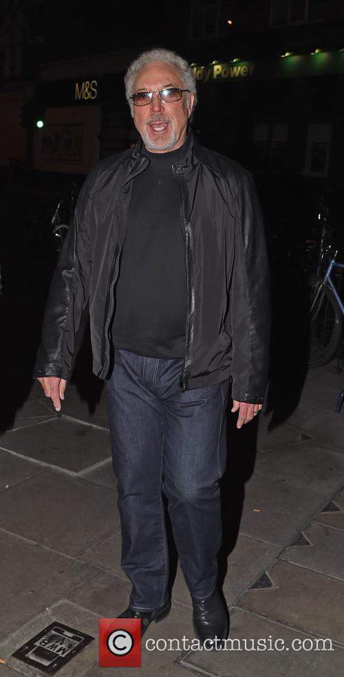 Tom Jones leaves Jessie J's birthday party
