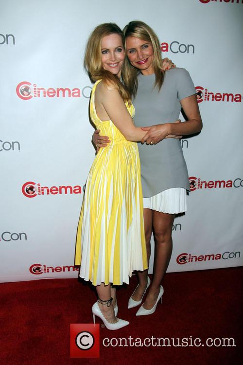 Leslie Mann and Cameron Diaz 4