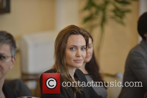 Angelina Jolie 7