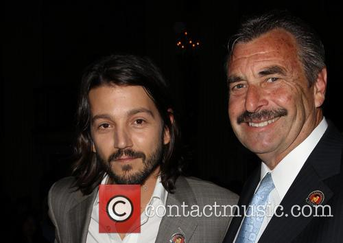 Diego Luna and Los Angeles Police Chief Charlie Beck 4