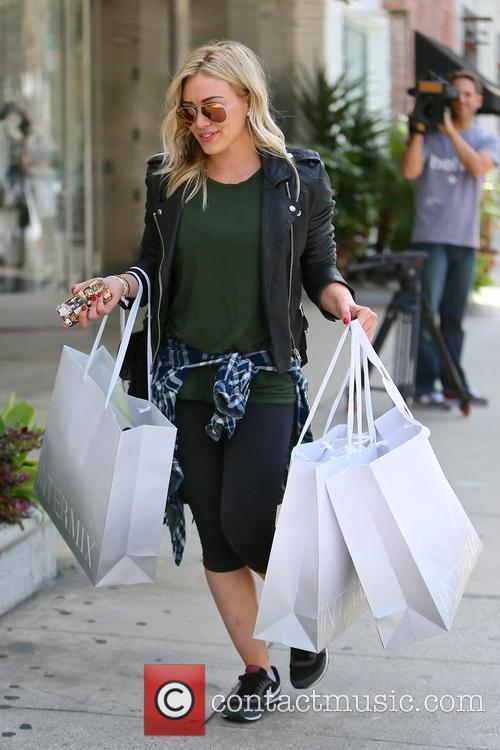 Hilary Duff leaving Intermix