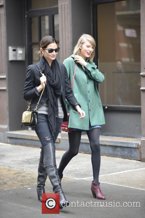 Lily Aldridge and Taylor Swift 2