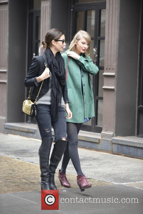 Lily Aldridge and Taylor Swift 3