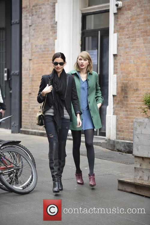 Lily Aldridge and Taylor Swift 6