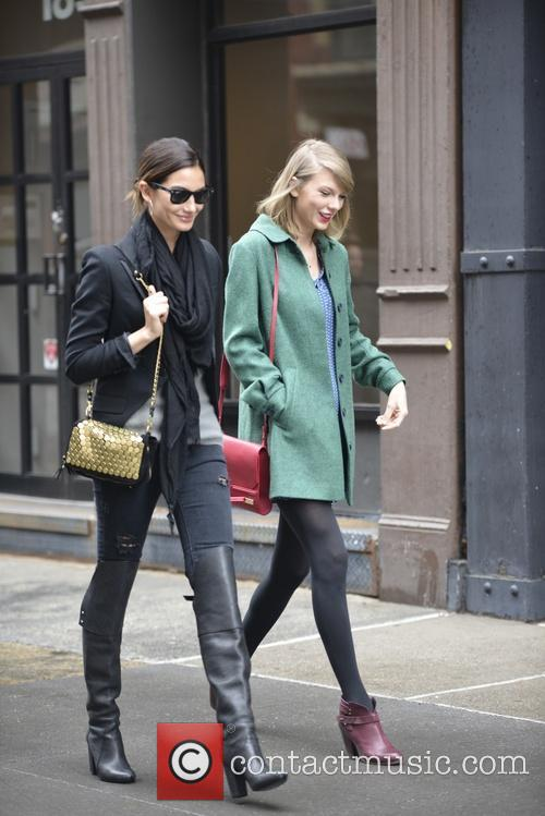 Lily Aldridge and Taylor Swift 8