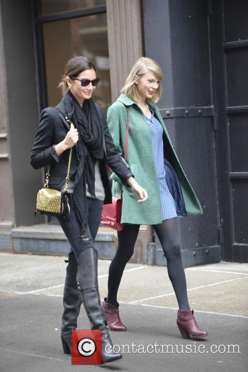 Lily Aldridge and Taylor Swift 9