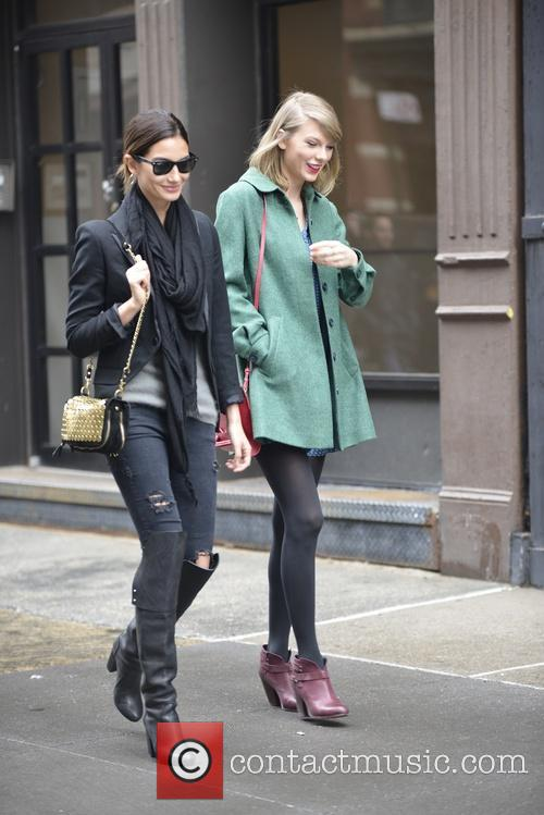 Lily Aldridge and Taylor Swift 12