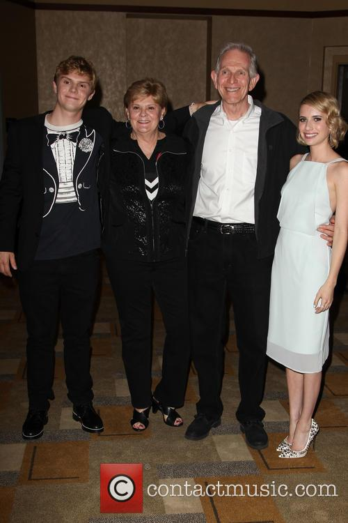 Evan Peters and Emma Roberts 2