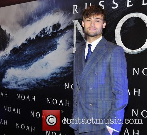 douglas booth irish film premiere of noah 4130192