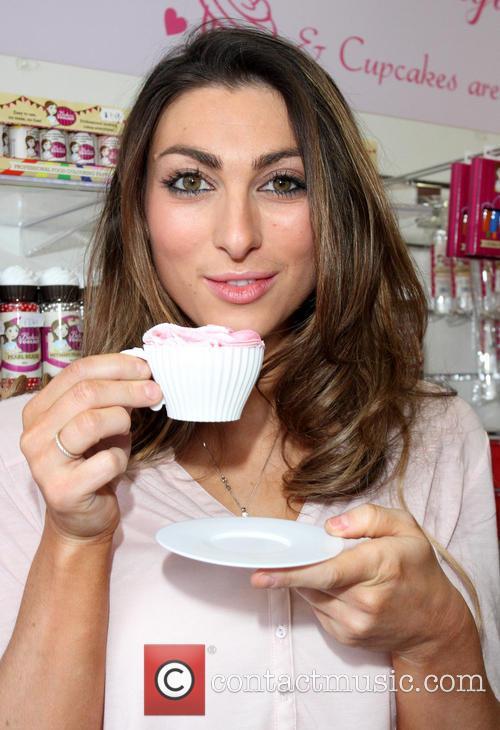 Luisa Zissman at Dixies Cupcakery