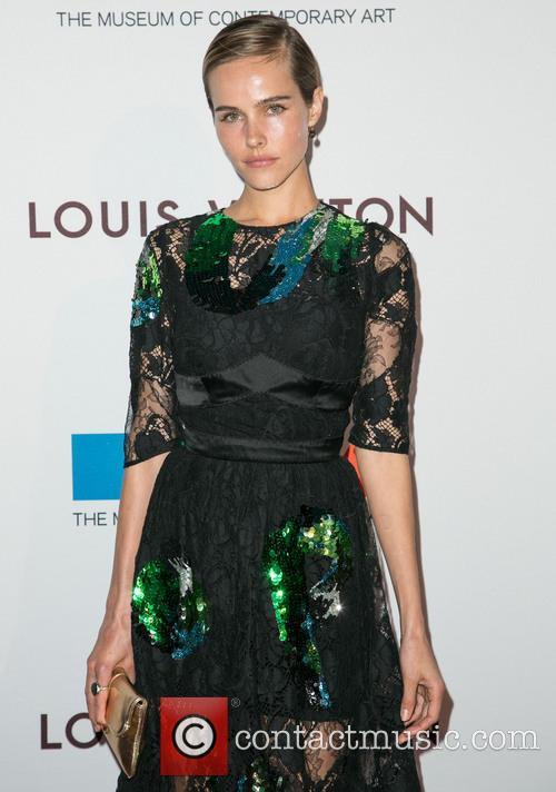 Isabel Lucas 6