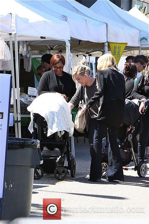 Hilary Duff, Mike Comrie and Luca 4