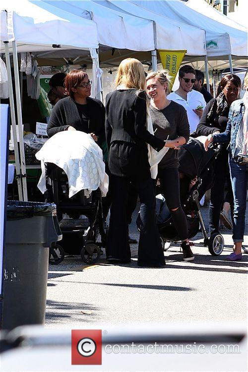 Hilary Duff, Mike Comrie and Luca 5