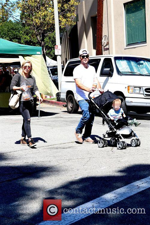 Hilary Duff, Mike Comrie and Luca 6