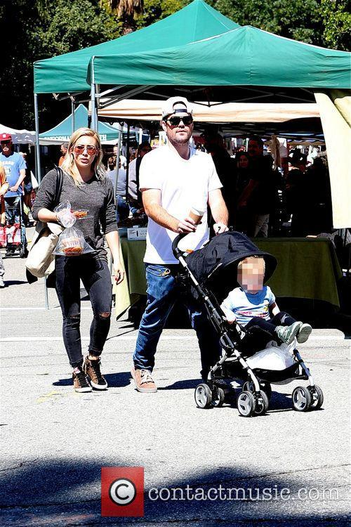 Hilary Duff, Mike Comrie and Luca 9