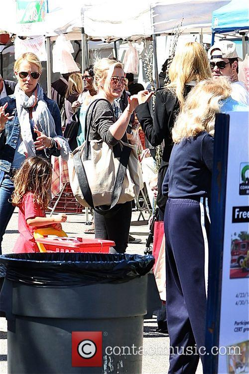 Hilary Duff, Mike Comrie and Luca 10