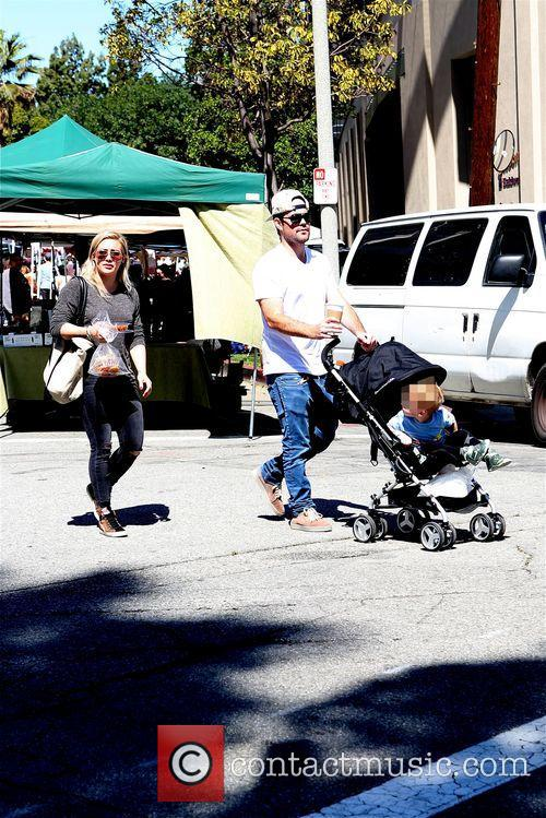 Hilary Duff, Mike Comrie and Luca 11